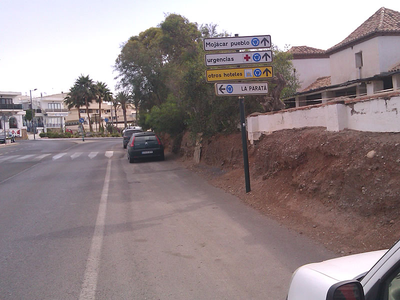 ALMERIA & ALICANTE - Tomas's supermarket pick up point - Exclusive Airport Shuttles.jpg
